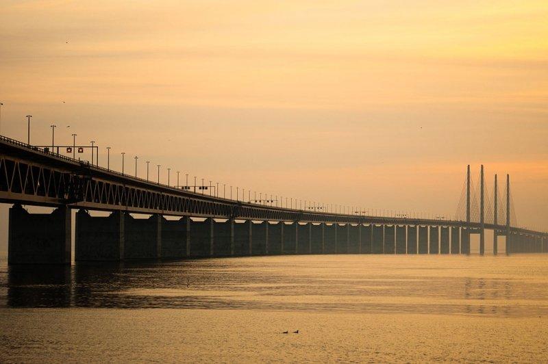 El puente de Öresund une Copenhague y Malmo, Dinamarca y Suecia. Foto: Fpo74 / Foter / CC BY-SA