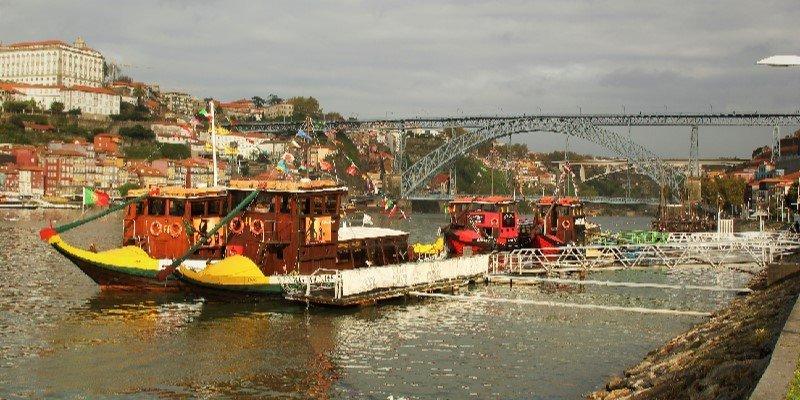 envios-a-portugal-la-luna-shipping-transporte-internacional-logistica-shipping-to-portugal-01